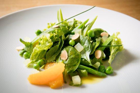 Ensalada verde con guisantes