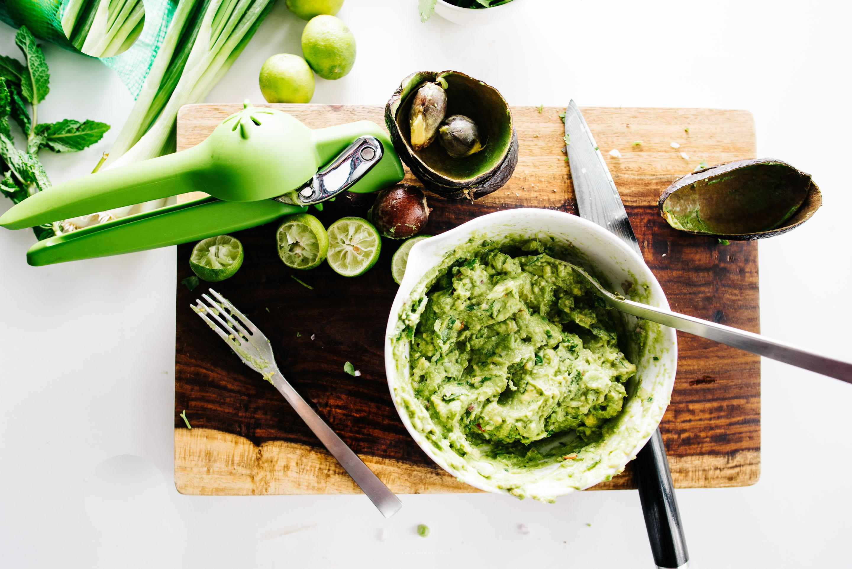 como hacer guacamole - www.iamafoodblog.com