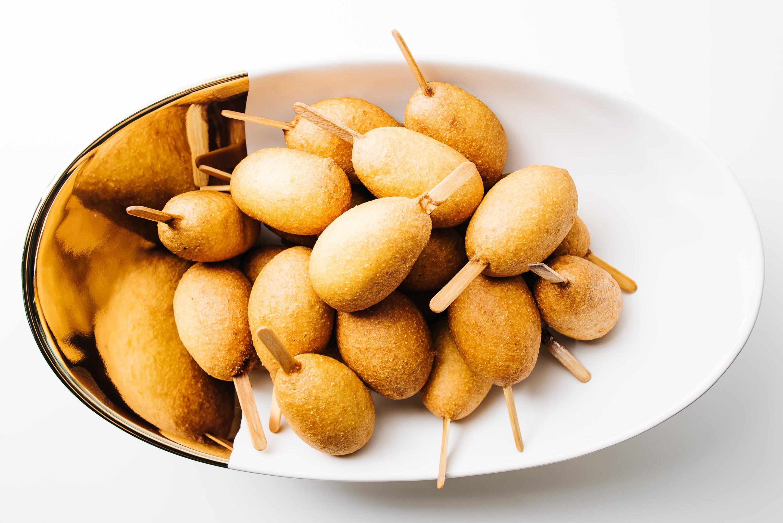 como hacer mini-perros de cereal - www.iamafoodblog.com